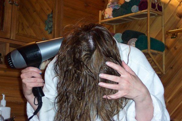 application_cheveux_secs
